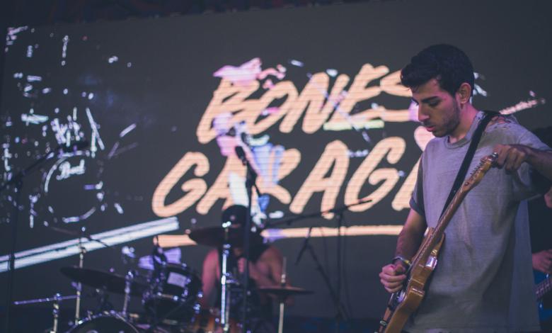 Yaniv playing live at Glastonbury with Bones Garage.